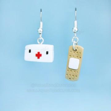Kit + Band aid